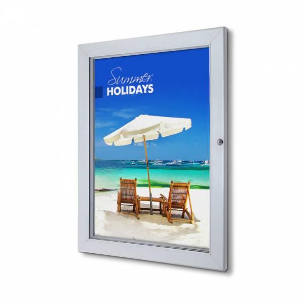 Interiérová uzamykatelná vitrína Premium 500x700 mm
