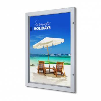 Interiérová uzamykatelná vitrína Premium 700x100 mm